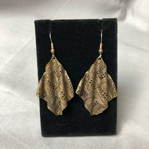 Wavy boho die-cut gold tone dangle earrings